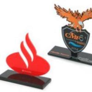 Por que usar troféus de acrílico como premiação em torneios?